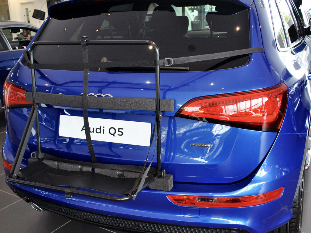 audi q5 roof box frame on blue q5